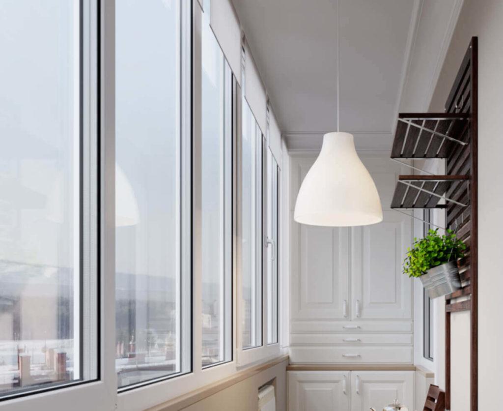Остекление балкона пластиковыми рамами