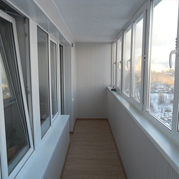 отделка балкона панелями пвх вид